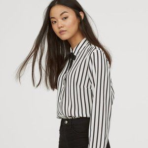 🍒 2/20$ NWOT H&M black and white striped blouse